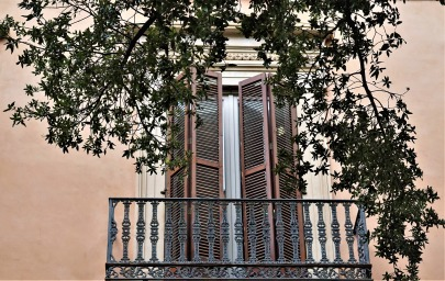 balcony-4540183_1920